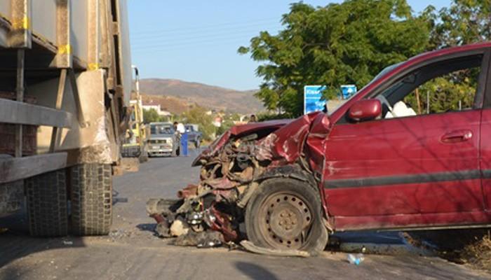 Σύγκρουση αυτοκινήτου με απορριμματοφόρο στην Κίσαμο