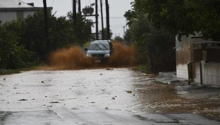 Πλημμύρισαν σπίτια και καταστήματα στο Θεολόγο