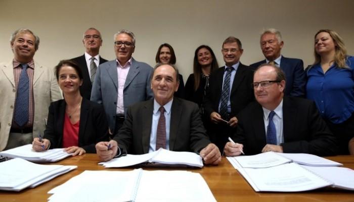 Μπήκαν οι υπογραφές για τους υδρογονάνθρακες στην Κρήτη