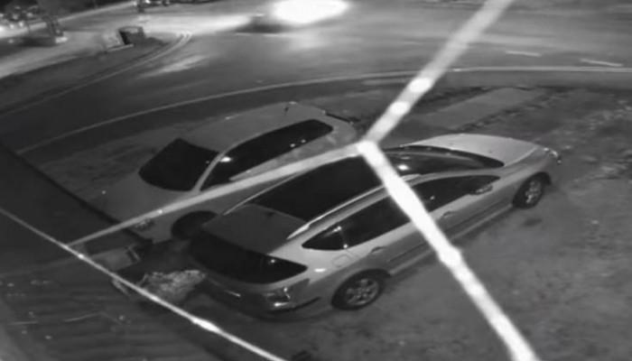 Ο φακός έπιασε τη συγκλονιστική στιγμή που αυτοκίνητο χτυπά άνθρωπο