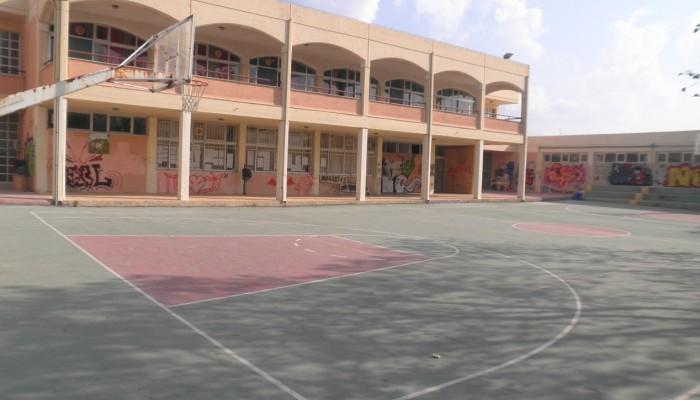 Διαμαρτυρία από μαθητές του λυκείου Κολυμβαρίου για τα έργα στο σχολείο