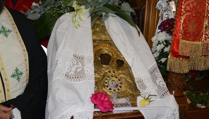 Την εικόνα της Παναγίας της Έλωνας και τα Άχραντα Πάθη υποδέχτηκαν τα Χανιά