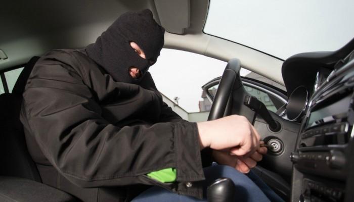 Συνελήφθησαν μέλη συμμορίας που έκλεβαν οχήματα και σπίτια