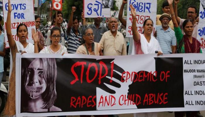 Φρίκη στην Ινδία: 20χρονος έσπαγε τα πόδια κοριτσιών προτού τα βιάσει