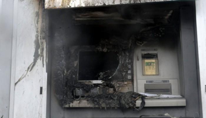 Ανατίναξαν ΑΤΜ αλλά δεν πήραν ούτε ένα ευρώ