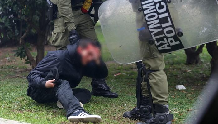 Πετροπόλεμος, μολότοφ, χημικά στο συλλαλητήριο για τον Αλέξη στην Αθήνα