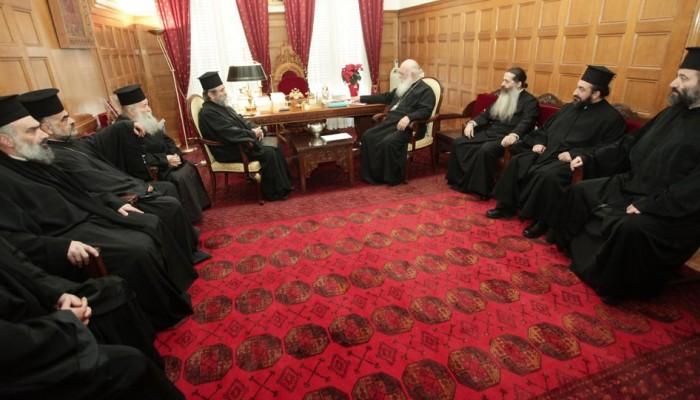 Ο Ιερώνυμος συναντήθηκε με κληρικούς για τη συμφωνία με Τσίπρα