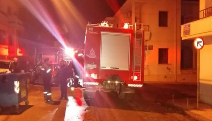 Στο πόδι κεντρική συνοικία των Χανίων τα ξημερώματα από φωτιά σε σπίτι