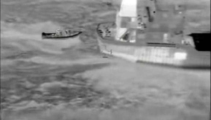 Απίστευτο βίντεο με το ρεσάλτο των λιμενικών στο πλοίο των 6 τόνων χασίς