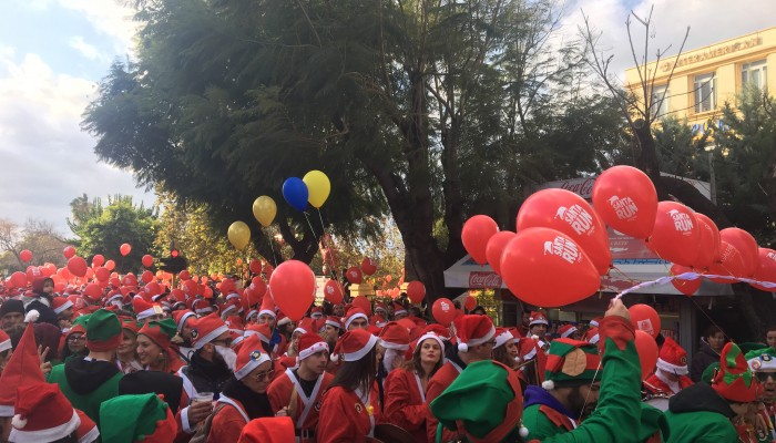Santa Run 2018 – Κοκκίνισαν τα Χανιά από τους αγιοβασίληδες (φωτο+βιντεο)