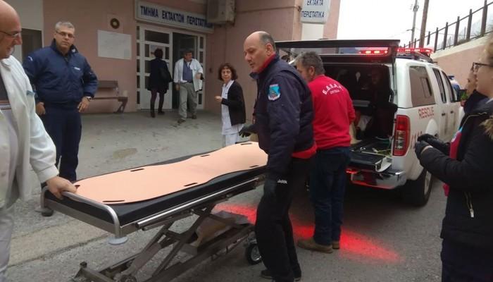 Ομάδα διάσωσης μετέφερε ασθενή στο νοσοκομείο λόγω έλλειψης ασθενοφόρου