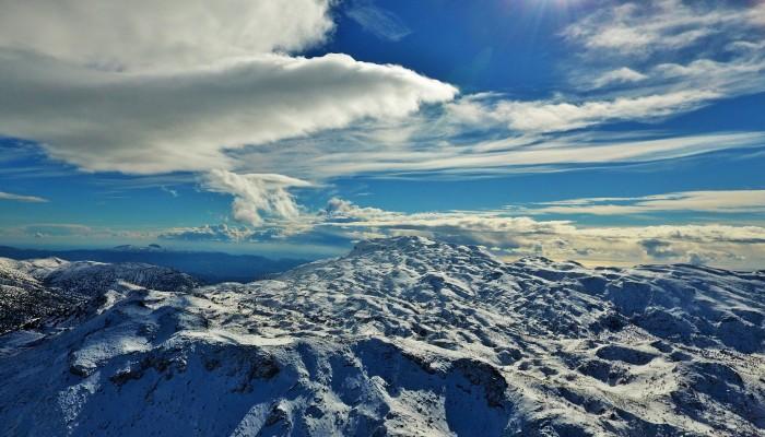 Υπέροχες εικόνες από τα χιονισμένα Ανώγεια (βιντεο)