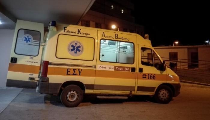 Στο νοσοκομείο με σοβαρά τραύματα οδηγός μηχανής