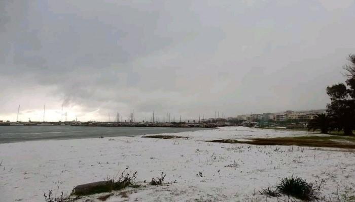 Μέχρι την παραλία έφτασε το χιόνι στο Ρέθυμνο -Ποιοι δρόμοι έκλεισαν (φωτο)