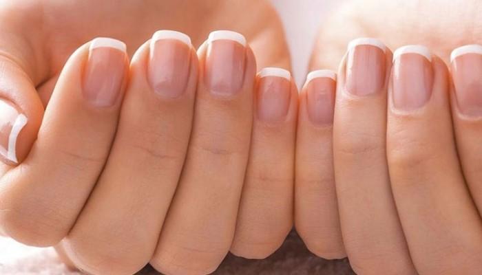 Τι να κάνουμε για να μην ξεφλουδίζουνε τα νύχια μας
