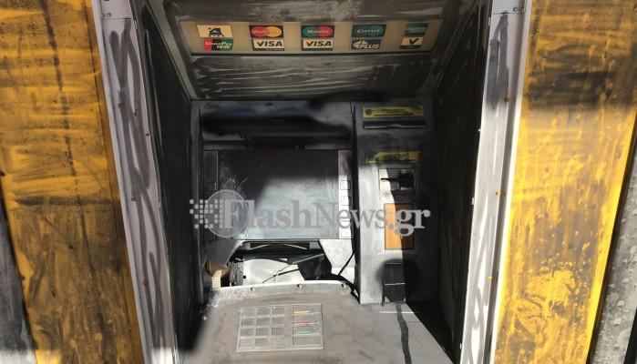 Ανατίναξαν ΑΤΜ στα Χανιά, άρπαξαν τα χρήματα και εξαφανίστηκαν (φωτο - vid)