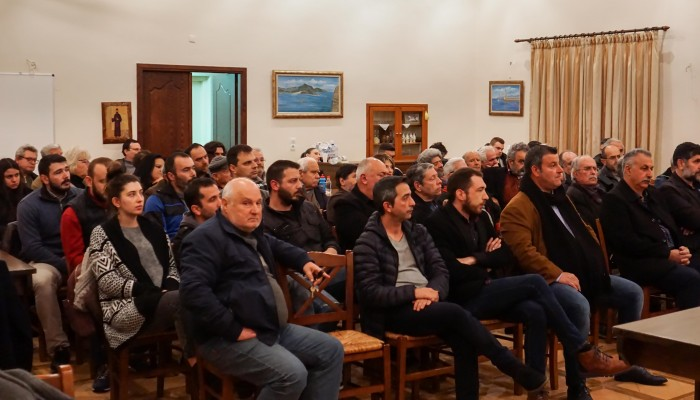 Πλήθος κόσμου στην εκδήλωση του ΚΚΕ στον Πλατανιά (φωτο)