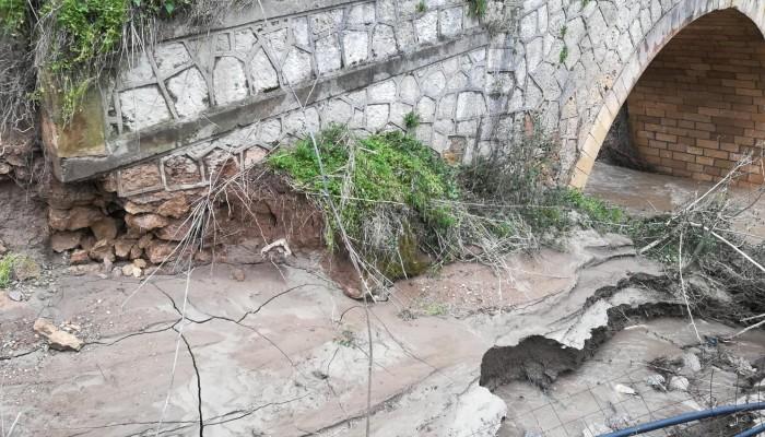 Αυτή η γέφυρα μπορεί ακόμα να σωθεί στην Κίσσαμο - Δείτε τα ορμητικά νερά που την έπληξαν