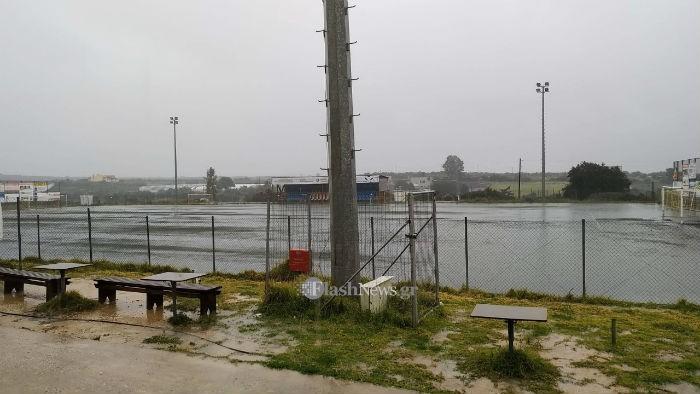 Το γήπεδο έγινε… πισίνα στα Καθιανά Ακρωτηρίου! (φωτο)