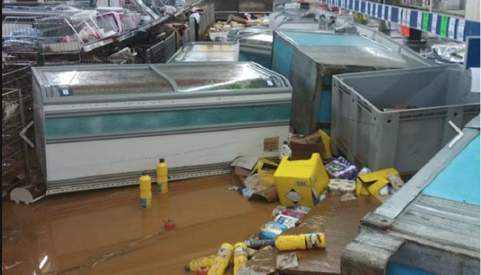 Χανιά: Πλημμύρισαν τα Lidl - Εικόνες καταστροφής μέσα από το κατάστημα (φωτο)