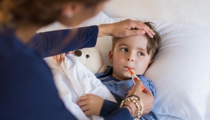 Σε έξαρση η γρίπη– Τι πρέπει να προσέχουν οι γονείς