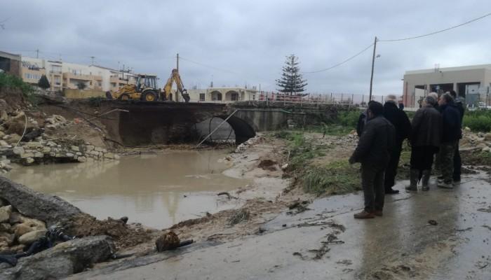 Κλιμάκιο του ΚΚΕ επισκέφθηκε τις πληγείσες περιοχές του Ρεθύμνου