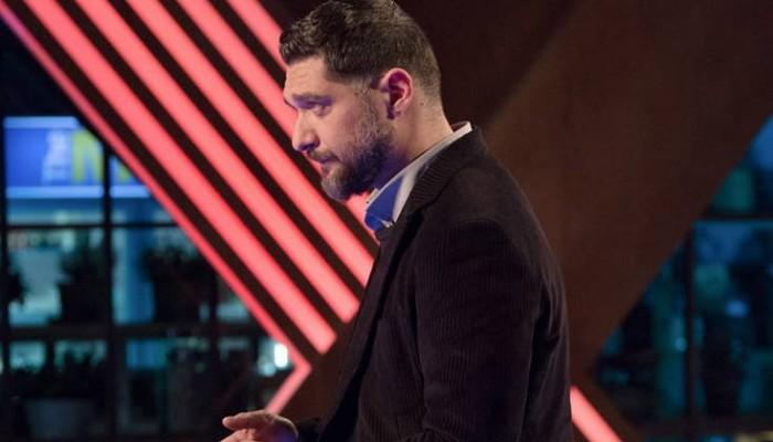 «Έξαλλος» ο Πάνος Ιωαννίδης με το ντύσιμο παίκτριας στο MasterChef 3