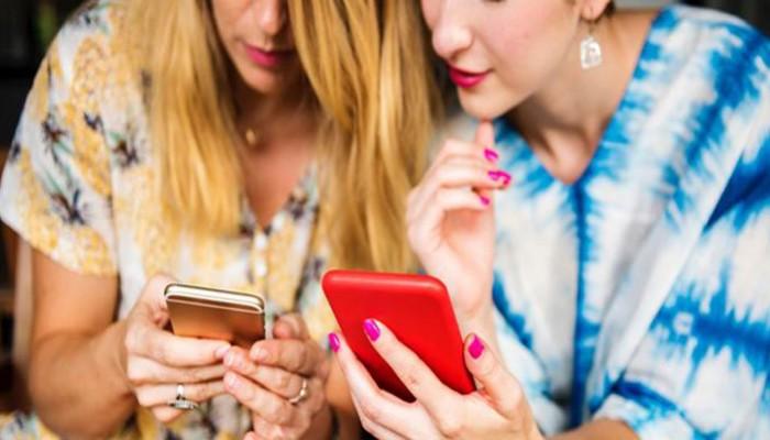 Πώς τα smartphones προκαλούν ρυτίδες στο δέρμα μας