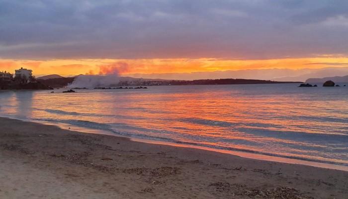 Ανακοίνωση Δήμου Χανίων για την καύση των απορριμμάτων στις παραλίες