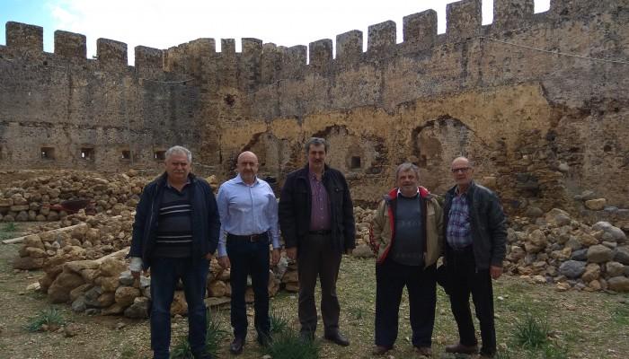 Επίσκεψη Πολάκη στα Σφακιά, σε περιοχές που επλήγησαν από την κακοκαιρία
