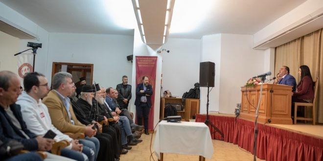 Την Βίβλο του διαδικτύου παρουσίασε στα Χανιά ο Μανώλης Σφακιανάκης