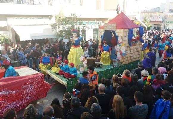 Χιλιάδες θεατές με κέφι, ρυθμό και ζωντάνια στο Καρναβάλι Αρκαλοχωρίου (φωτο)