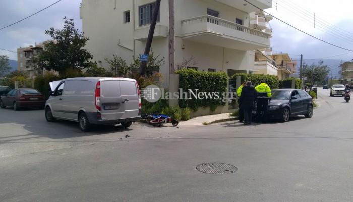 Τροχαίο ατύχημα σε επικίνδυνη διασταύρωση στα Χανιά (φωτο)