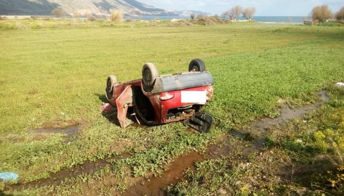 Από τον δρόμο… βρέθηκε ανάποδα σε χωράφι στην Κίσαμο (φωτο)