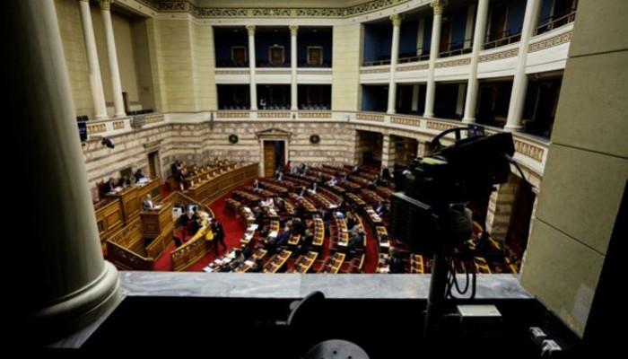 Αποσυνδέεται η εκλογή Προέδρου της Δημοκρατίας από τις πρόωρες εκλογές