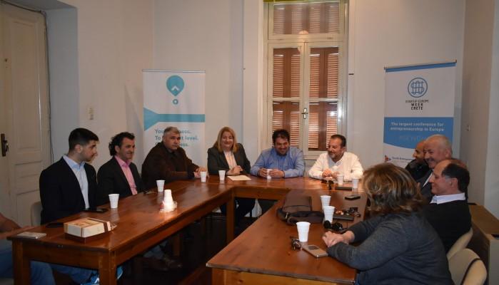 Στο ΤΕΕ ΤΔΚ ο Γρηγόρης Αρχοντάκης συνοδευόμενος από υποψηφίους συμβούλους του