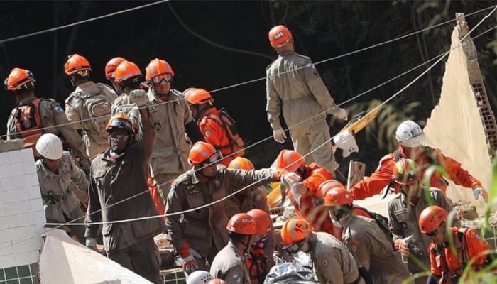Βραζιλία: 22 νεκροί από την κατάρρευση αυθαιρέτων σε φαβέλα του Ρίο