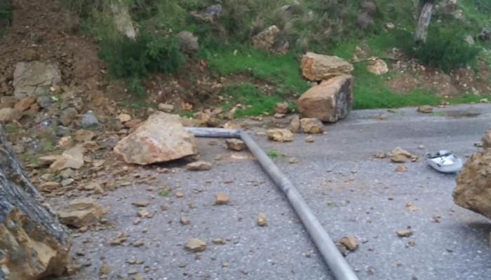 Κατολίσθηση στα Κεραμειά - Χωρίς ρεύμα από χθες η περιοχή