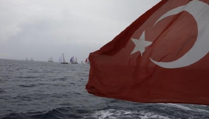 Δεκαεξάχρονος Ελληνοκύπριος κατέβασε την τουρκική σημαία από δημοτικό σχολείο (βιντεο)
