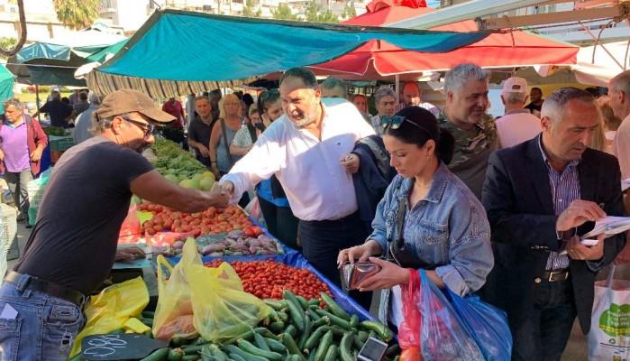 Στη λαϊκή αγορά του Σαββάτου ο υποψήφιος Δήμαρχος Ηρακλείου Γιάννης Κουράκης