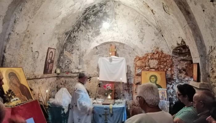 Άνοιξε και φέτος το γραφικό εκκλησάκι στο Παλιό Λιμάνι των Χανίων (φωτο)