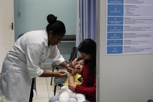 Πρόστιμο σε όσους δεν εμβολιάζουν τα παιδιά τους για ιλαρά προτείνει ο Γερμανός Υπ.Υγείας