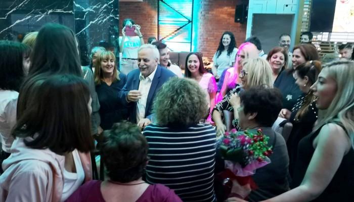 Μαζική παρουσία και δυναμική στήριξη των γυναικών στον Ευτύχη Δαμιανάκη (φωτο)