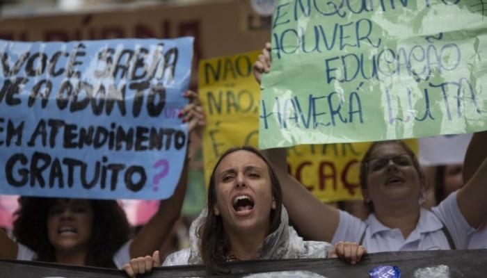 Βραζιλία: «Λαοθάλασσα» στους δρόμους για να υπερασπιστεί τα πανεπιστήμια