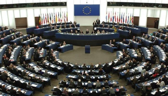 Ευρωπαϊκό Κοινοβούλιο: Οι μύθοι και τα πραγματικά στοιχεία για το τι ψηφίζουμε