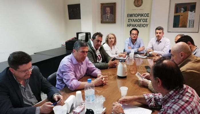 Στον Εμπορικό Σύλλογο Ηρακλείου ο Πέτρος Ινιωτάκης