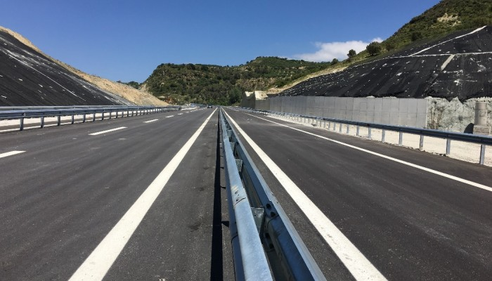 Ερώτηση βουλευτών του ΚΚΕ για τις καθιζήσεις του δρόμου Ηράκλειο- Μεσαρά