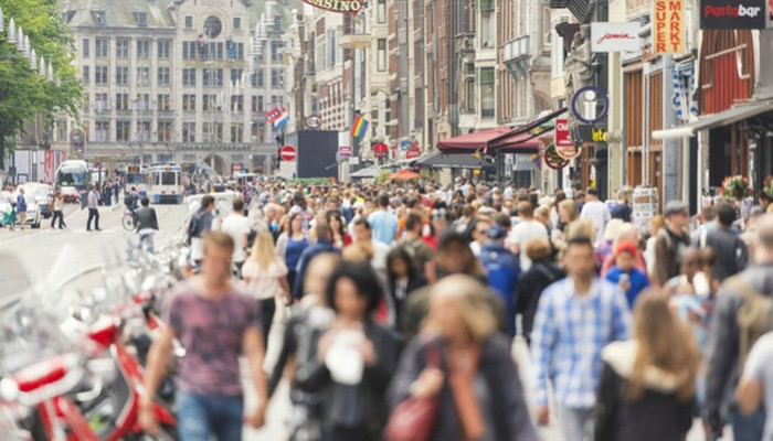 Η Ολλανδία κηρύσσει ανεπιθύμητους τους τουρίστες και βάζει φρένο στις αφίξεις