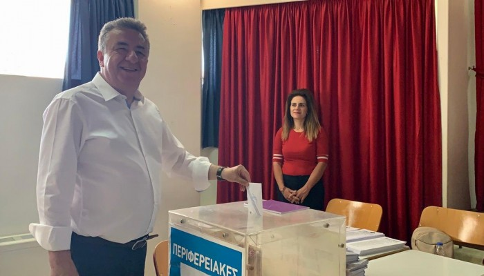 Στο 1ο δημοτικό σχολείο Αρχανών ψήφισε ο Σταύρος Αρναουτάκης