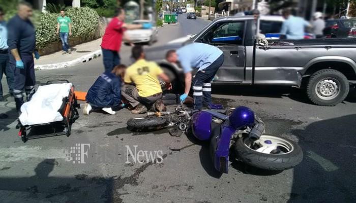 Τροχαίο ατύχημα στην Παπαναστασίου - Στο νοσοκομείο οδηγός μοτοσικλέτας (φωτο)